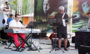 Abraham Laboriel on stage